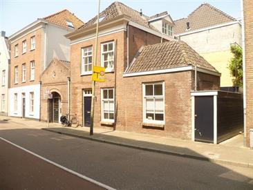 Kamer in Den Bosch, Sint Geertruikerkhof op Kamernet.nl: Prachtig en volledig gemoderniseerd 2-kamerappartement