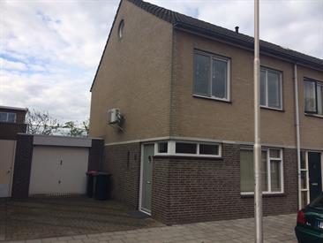 Kamer in Tilburg, Pastoor Smitsstraat op Kamernet.nl: Mooi Huis met vier studentenkamers waarvan er een vrij komt