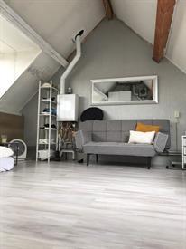 Kamer in Amsterdam, Wethouder Seegersplein op Kamernet.nl: Leuke zolderkamer voor nette student dame!!