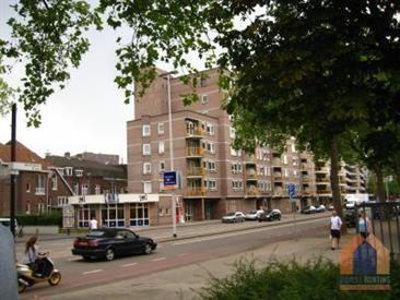 Kamer in Eindhoven, Stationsweg op Kamernet.nl: Volledig gemeubileerd drie-kamerappartement