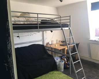 Kamer in Eindhoven, Hoogstraat op Kamernet.nl: Mooie kamer in groot gezellig studentenhuis