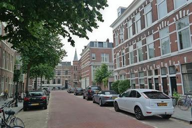 Kamer in Den Haag, Paramaribostraat op Kamernet.nl: Stijlvolle dubbele bovenwoning