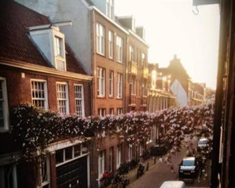 Kamer in Amsterdam, Eerste Weteringdwarsstraat op Kamernet.nl: Gestoffeerde kamer in centrum Amsterdam