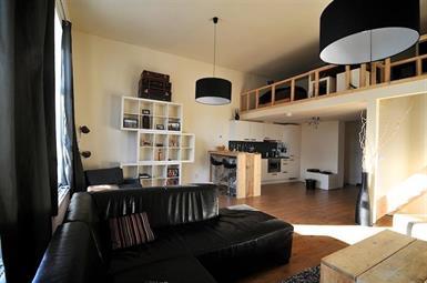 Kamer in Tilburg, Pastoor Smitsstraat op Kamernet.nl: Deze woning beschikt over hoge plafonds
