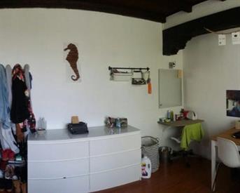 Kamer in Utrecht, Voltastraat op Kamernet.nl: Vrouwelijke huisgenoot gezocht