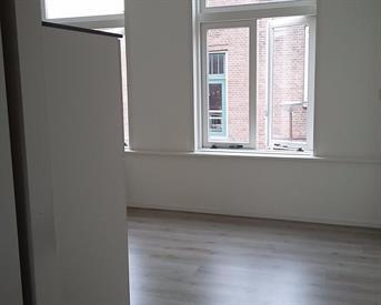 Kamer in Alkmaar, Van der Woudestraat op Kamernet.nl: Prachtig gerenoveerde studio voor 1 persoon.