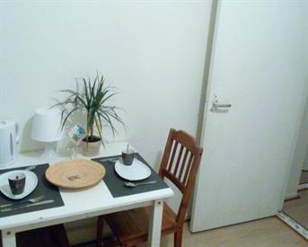Kamer in Zaandam, Poelenburg op Kamernet.nl: kleine kamer grens oostzaan & zaandam