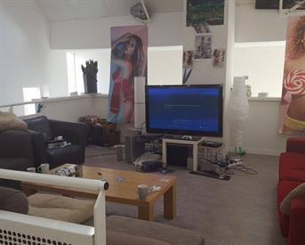 Kamer in Den Haag, Hoefkade op Kamernet.nl: Haagse Tokkies zoeken huisgenootje