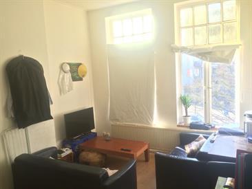 Kamer in Groningen, Friesestraatweg op Kamernet.nl: Ruime kamer met keuken en aparte slaapkamer