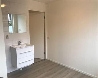 Kamer in Almere, Pasolinistraat op Kamernet.nl: Mooi centraal gelegen appartement