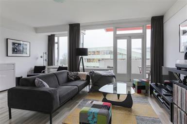 Kamer in Amsterdam, Beethovenstraat op Kamernet.nl: Prachtig gerenoveerd, gemeubileerd appartement