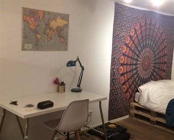Kamer in Groningen, Haddingestraat op Kamernet.nl: Tijdelijke kamer midden in het centrum te huur!