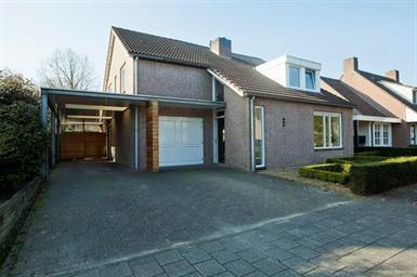 Kamer in Veldhoven, Tweeberg op Kamernet.nl: ROYALE UITGEBOUWDE VILLA MET 5 SLAAPKAMERS
