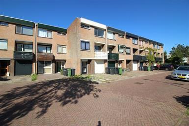 Kamer in Hilversum, Willibrorduslaan op Kamernet.nl: Luxe en ruime familiewoning met 3 slaapkamers en diepe tuin