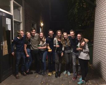 Kamer in Enschede, Borstelweg op Kamernet.nl: Gezellig huis zoekt vrouwelijke huisgenoot!