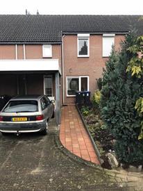 Kamer in Heerlen, Fossielenerf op Kamernet.nl: Nette tussengelegen eengezinswoning met carport