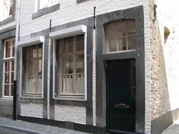 Kamer in Maastricht, Wycker Pastoorstraat op Kamernet.nl: Sfeervol en goed onderhouden duplex appartement