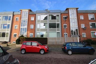 Kamer in Hilversum, Van Linschotenlaan op Kamernet.nl: Fijn, licht en goed onderhouden 3-kamer appartement, 2 slaapkamers!