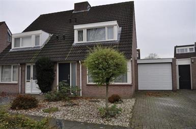 Kamer in Veldhoven, Zandhei op Kamernet.nl: RUIME TWEE-ONDER-ÉÉN-KAP WONING