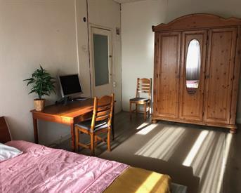 Kamer in Den Haag, Rijswijkseweg op Kamernet.nl: Ruime lichte kamer met balkon