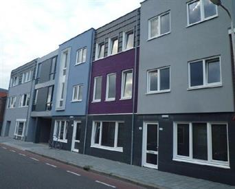 Kamer in Tilburg, Hasseltstraat op Kamernet.nl: Woonkamer met veel lichtinval
