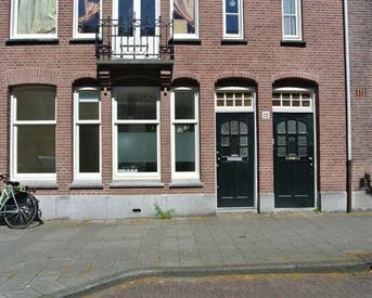 Kamer in Amsterdam, Wakkerstraat op Kamernet.nl: Bedroom in lovely ground-floor apartment