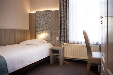 Kamer in Den Haag, Blauwe Reigersingel op Kamernet.nl: Nette ruime en lichte kamer Den Haag Ypenburg