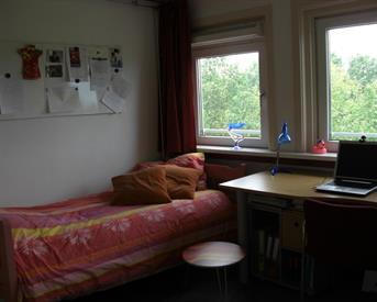 Kamer in Rotterdam, Gordelweg op Kamernet.nl: Gemeubileerde kamer met eigen badkamer