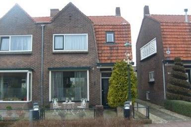 Kamer in Bussum, Bijlstraat op Kamernet.nl: Charmante 2-onder-1 kap woning