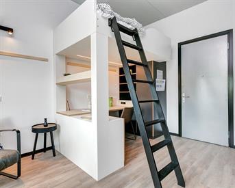 Studio aan Van Embdenstraat in Delft