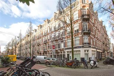 Kamer in Amsterdam, Tweede Helmersstraat op Kamernet.nl: Goed ingedeelde GESTOFFEERDE drie-kamer appartement