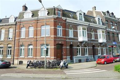 Kamer in Maastricht, Koningin Emmaplein op Kamernet.nl: Mooi appartement gelegen op de begane grond