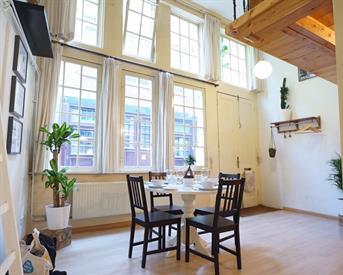 Kamer in Amsterdam, Sint Nicolaasstraat op Kamernet.nl: Geheel gemeubileerd appartement in het centrum