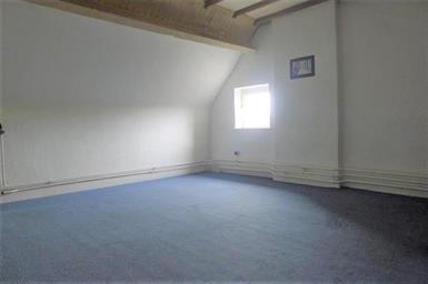 Kamer in Maastricht, Herbenusstraat op Kamernet.nl: Semi-appartement gelegen op de derde etage