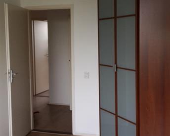 Kamer in Utrecht, Van Vollenhovenlaan op Kamernet.nl: Nette kamer met deur naar balcon