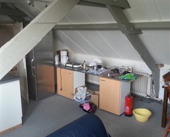 Kamer in Tilburg, Smidspad op Kamernet.nl: eigen verdieping woonkamer 33m2 sl,k. 13m2