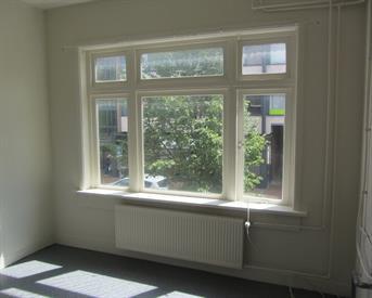 Kamer in Haren Gn, Molenweg op Kamernet.nl: Ruime, lichte kamer, centrum Haren, ca 10m2.