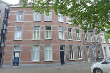 Kamer in Maastricht, Sint Teunisstraat op Kamernet.nl: Mooi appartement langs de Maas met laminaatvloeren