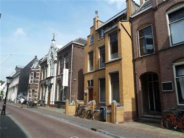 Kamer in Utrecht, Boothstraat op Kamernet.nl: NIEUW IN DE VERHUUR PRACHTIG GEMEUBILEERD 3-KAMER APPARTEMENT