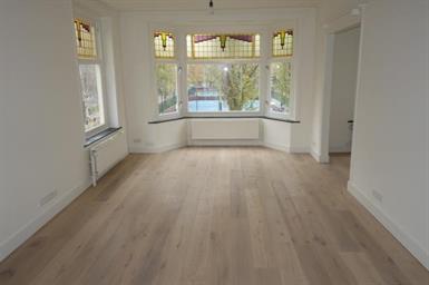 Kamer in Amsterdam, Kinderdijkstraat op Kamernet.nl: Gestoffeerd 1-slaapkamer appartement op de 2de etage