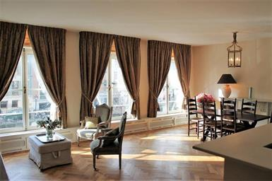 Kamer in Amsterdam, Herengracht op Kamernet.nl: Nice and spacious apartment on a great location with a canal view