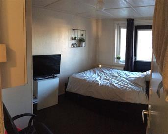 Kamer in Enschede, Abraham Strickstraat op Kamernet.nl: Huize Gallerij zoekt 2 nieuwe huisgenoten (m/v).