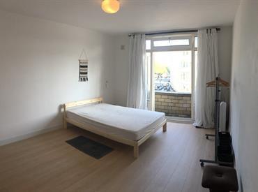 Kamer in Amsterdam, Overtoom op Kamernet.nl: Looking for female flatmate