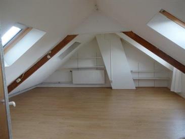 Kamer in Maastricht, Galileastraat op Kamernet.nl: Mooie ruime zolderkamer in de wijk Limmel