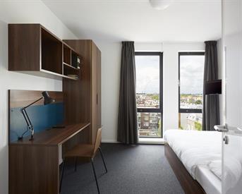 Kamer in Den Haag, Hoefkade op Kamernet.nl: Volledig ingerichte kamer met eigen badkamer