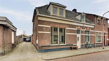 Kamer in Almelo, Wilgenstraat op Kamernet.nl: Gelegen aan rustige straat, uitgebouwde hoekwoning