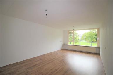 Kamer in Diemen, Martin Luther Kinglaan op Kamernet.nl: Spacious bright unfurnished apartment for rent