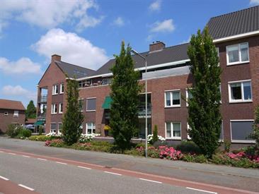 Kamer in Baarlo (LB), Albert Neuhuysstraat op Kamernet.nl: Zeer riant penthouse met eigen parkeerplaats