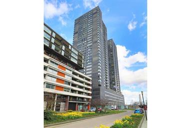 Kamer in Rotterdam, Gedempte Zalmhaven op Kamernet.nl: Ruim 3-kamer appartement op de 30e etage