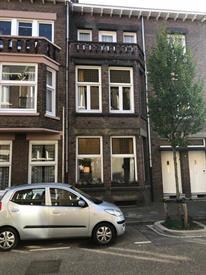 Kamer in Maastricht, Joseph Hollmanstraat op Kamernet.nl: Sfeervolle en ruime jaren '30 woning
